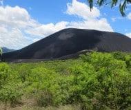 Sandboarden vulkaan Cerro Negro in Nicaragua.