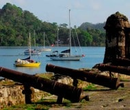 Reis door Portobelo in Panama.