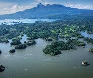 Kajakken bij Las Isletas in Nicaragua.