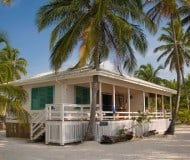Overnachten bij South Water Caye in Belize.