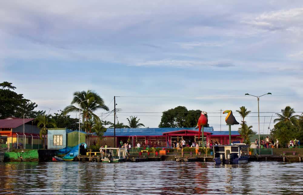 bezienswaardigheden costa rica tortuguero dorpje