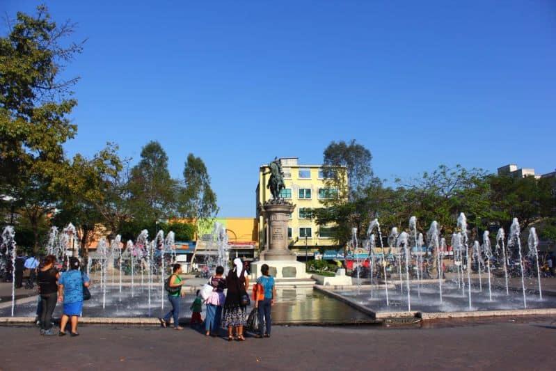 bezienswaardigheden san salvador plein