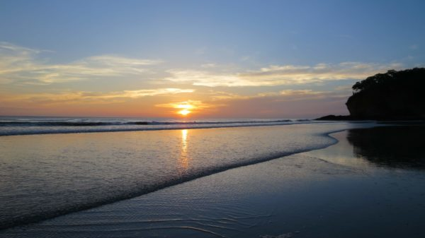Zonsondergang San Juan del Sur strand