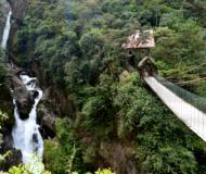 Baños waterfalls Pailon del Diablo