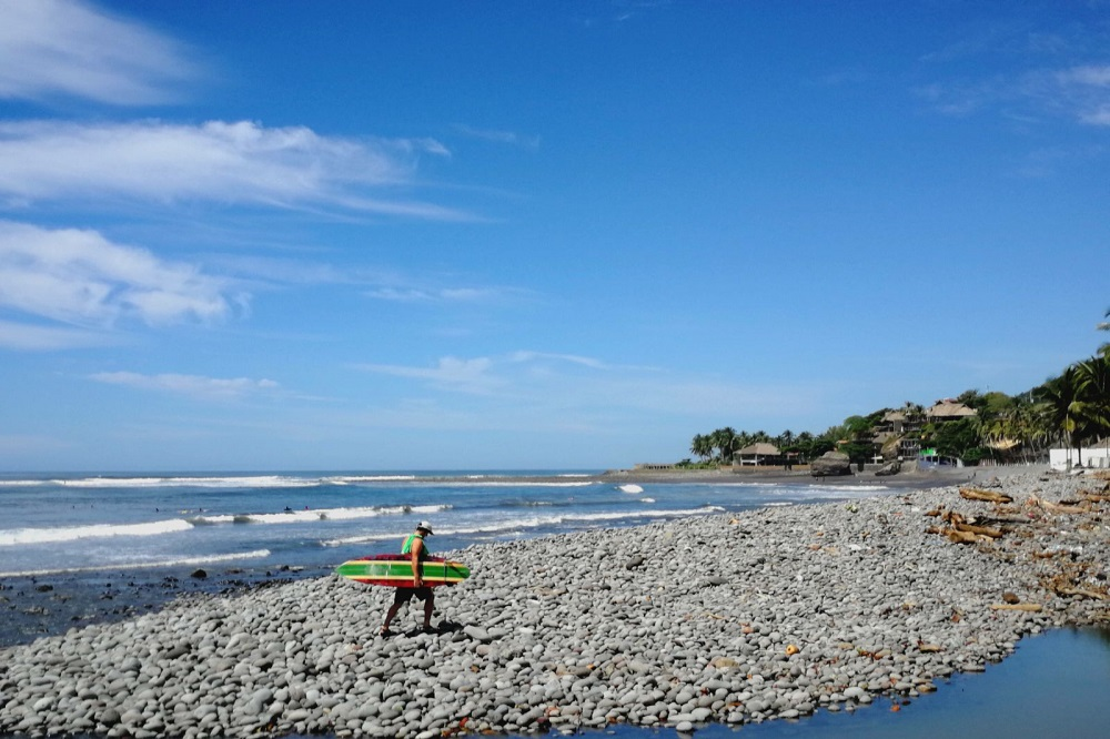 El Tunco surfer rondreis El Salvador