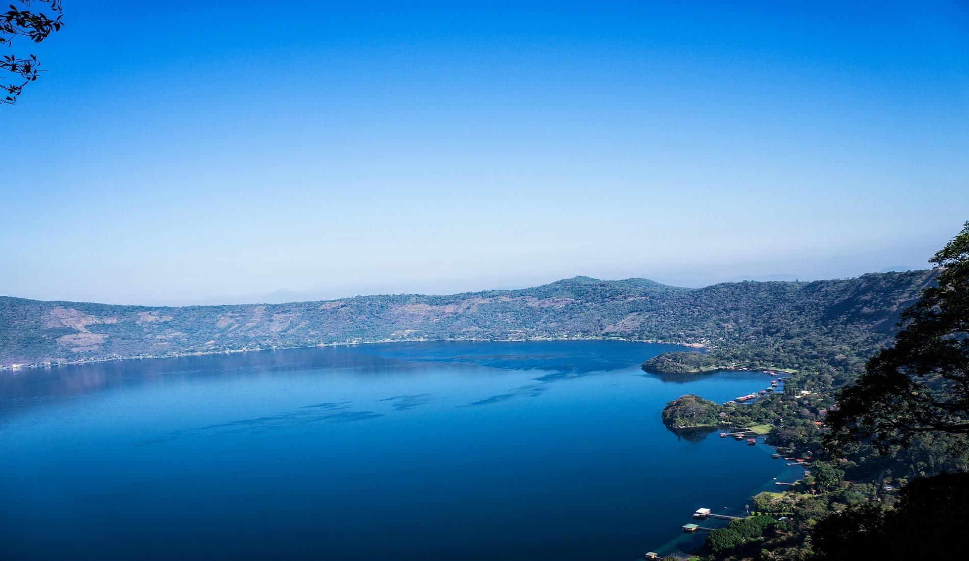Lago de Coatepeque el salvador reizen