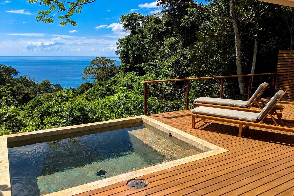 Zwembad bij kamer Costa Rica