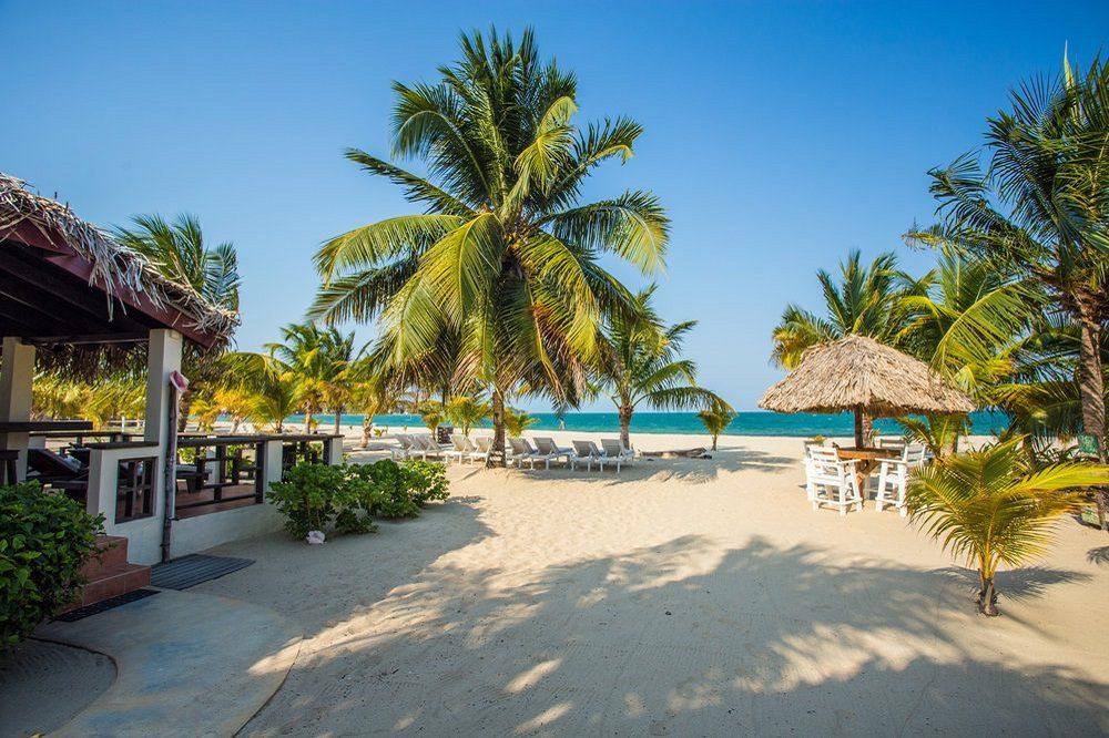 Beach cabana placencia 2