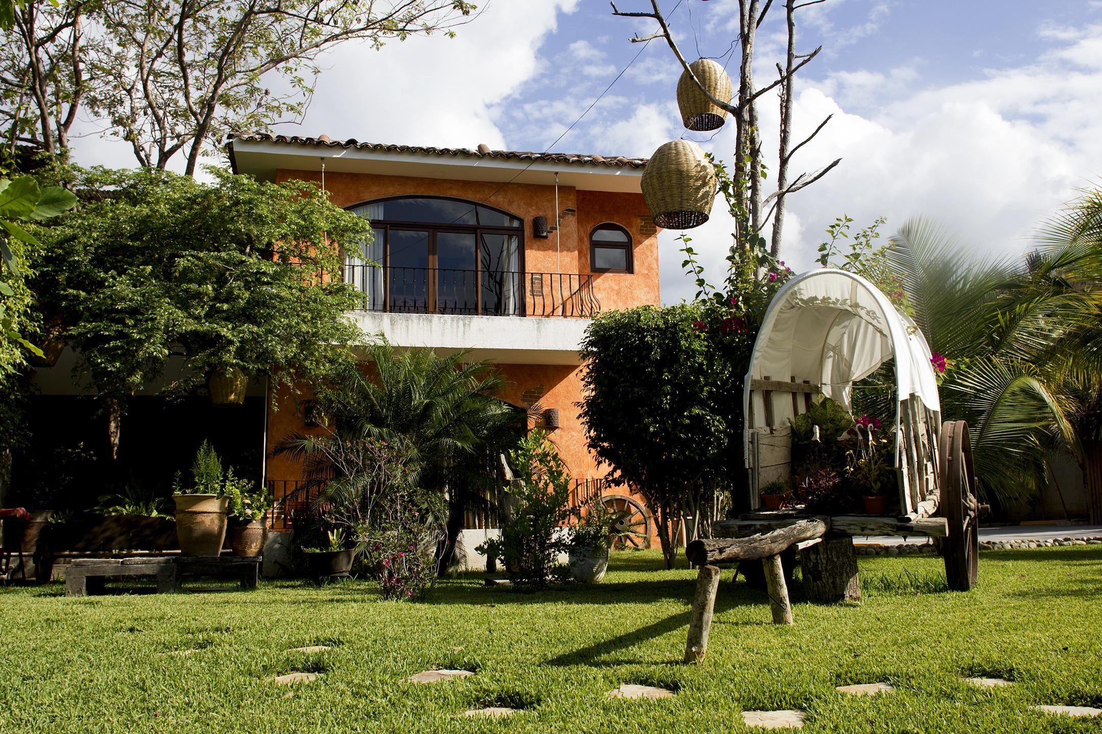 Hotel Camino Largo buiten