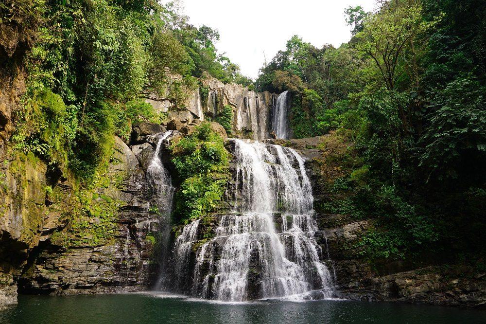 Nauyaca waterfalls regenseizoen costa rica