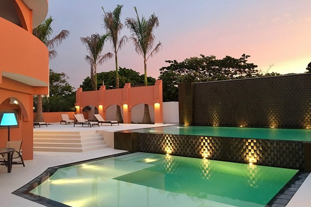 Zwembad puerto lopez rondreis ecuador