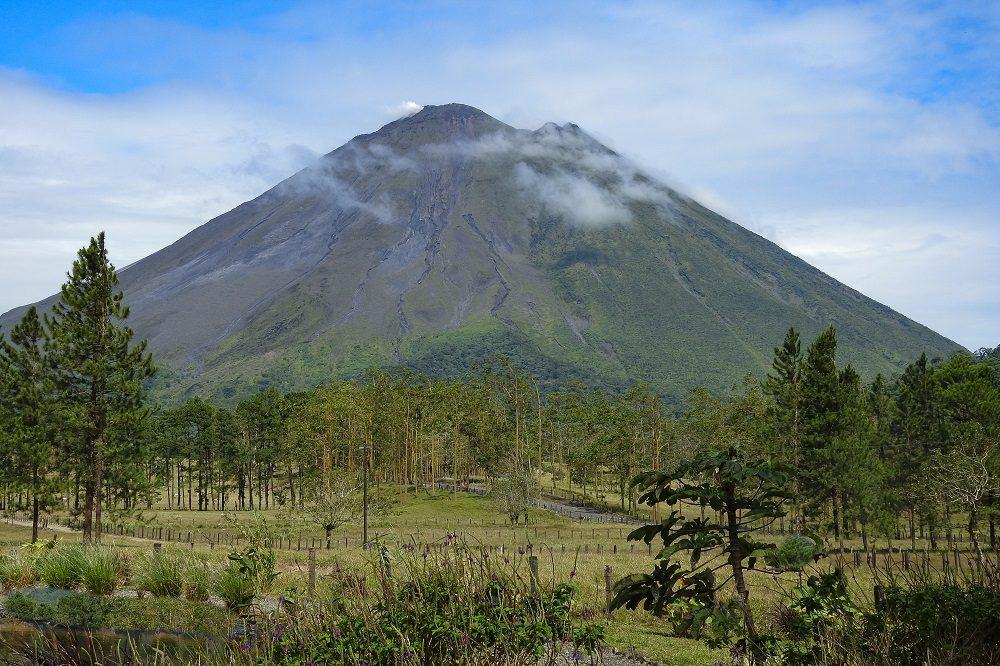 Autorijden costa rica uitzicht arenal vulkaan