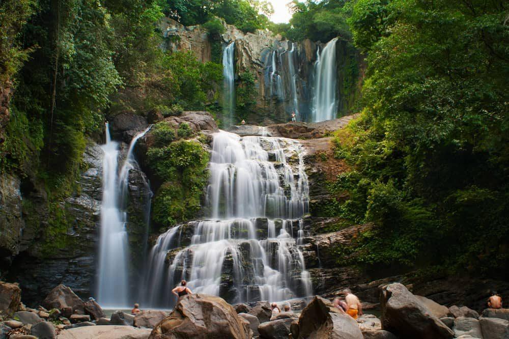 costa rica september reis nauyaca watervallen