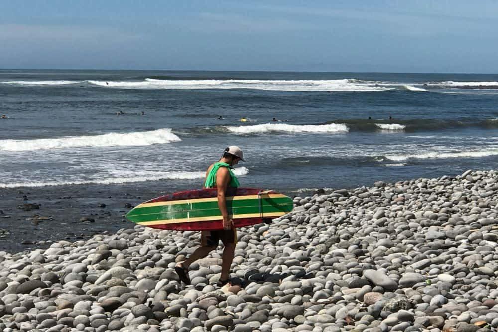 el salvador reizen el tunco surfen