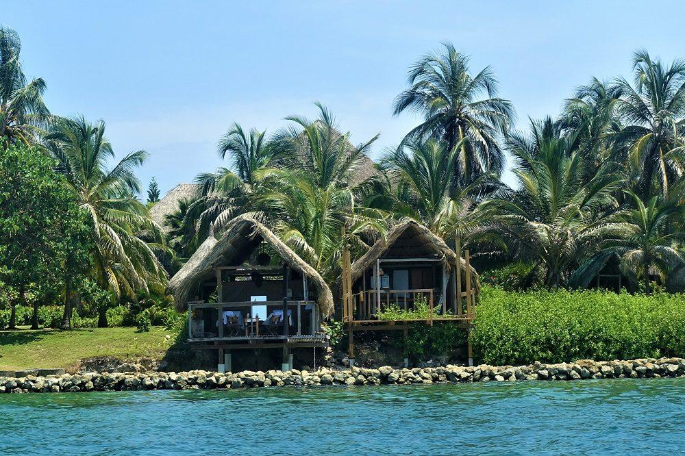 hotel isla mucura bungalows