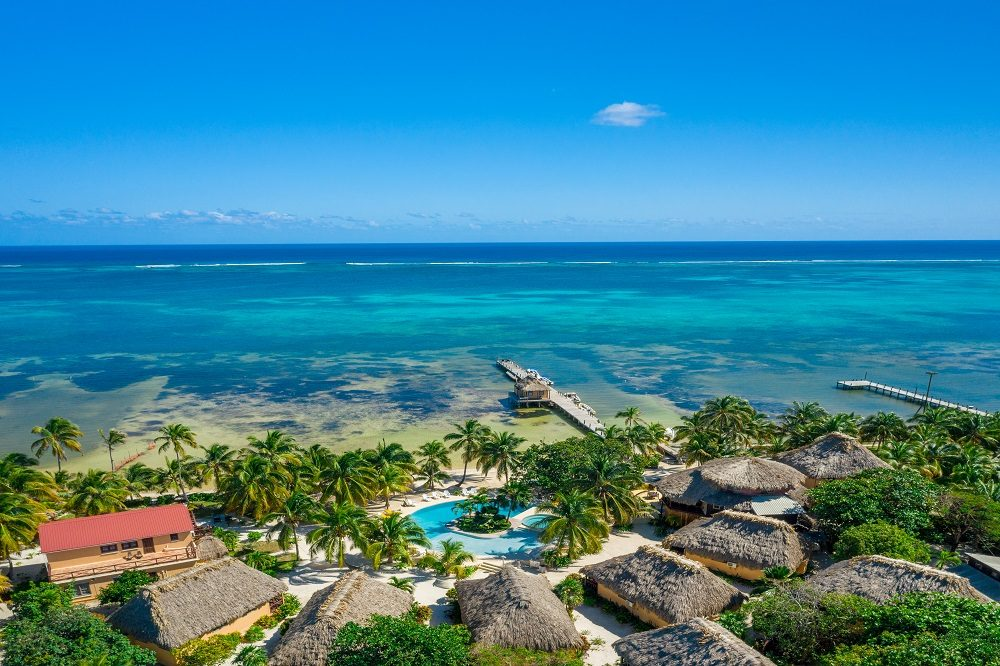 luxe reis ambergris caye hotel
