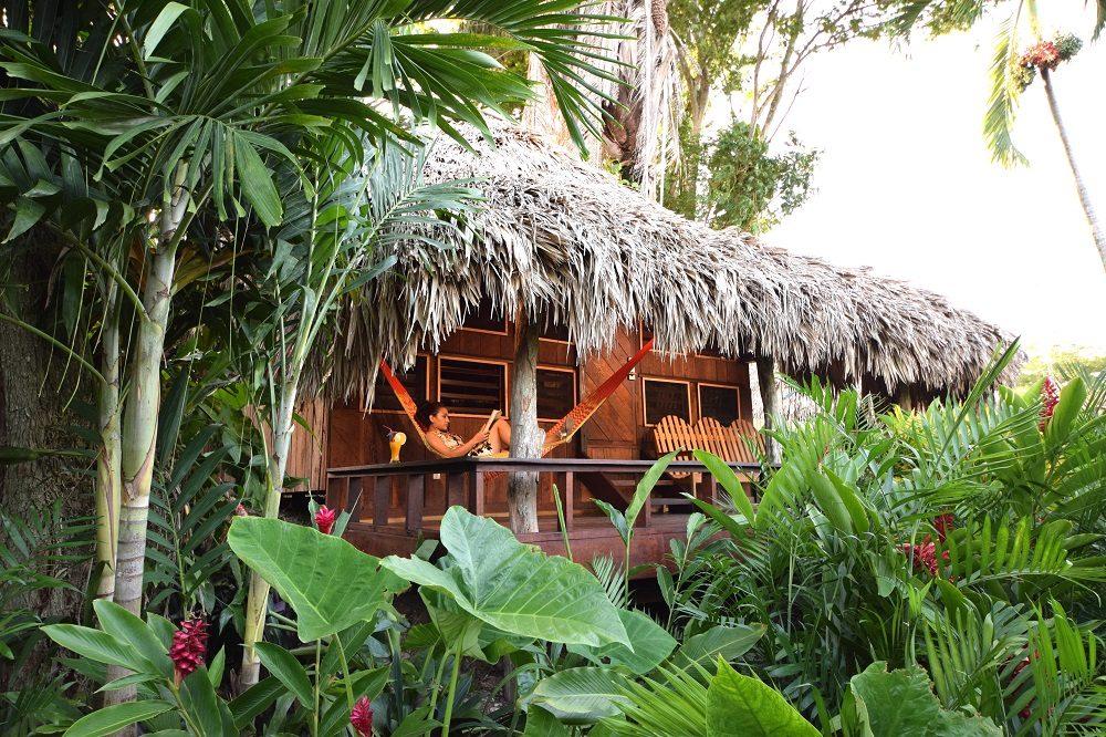 luxe reis belize bungalow lamanai