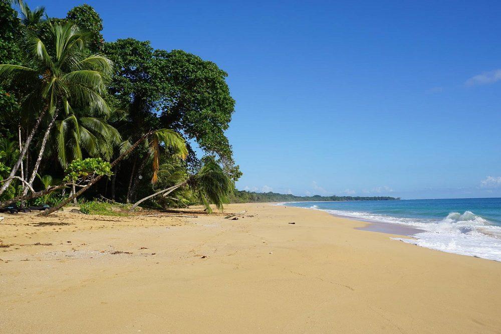 mooiste stranden panama playa bluff