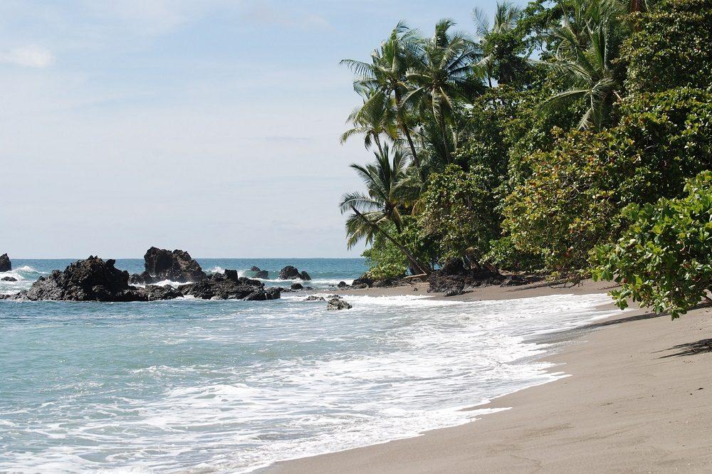 playa san josecito drake bay