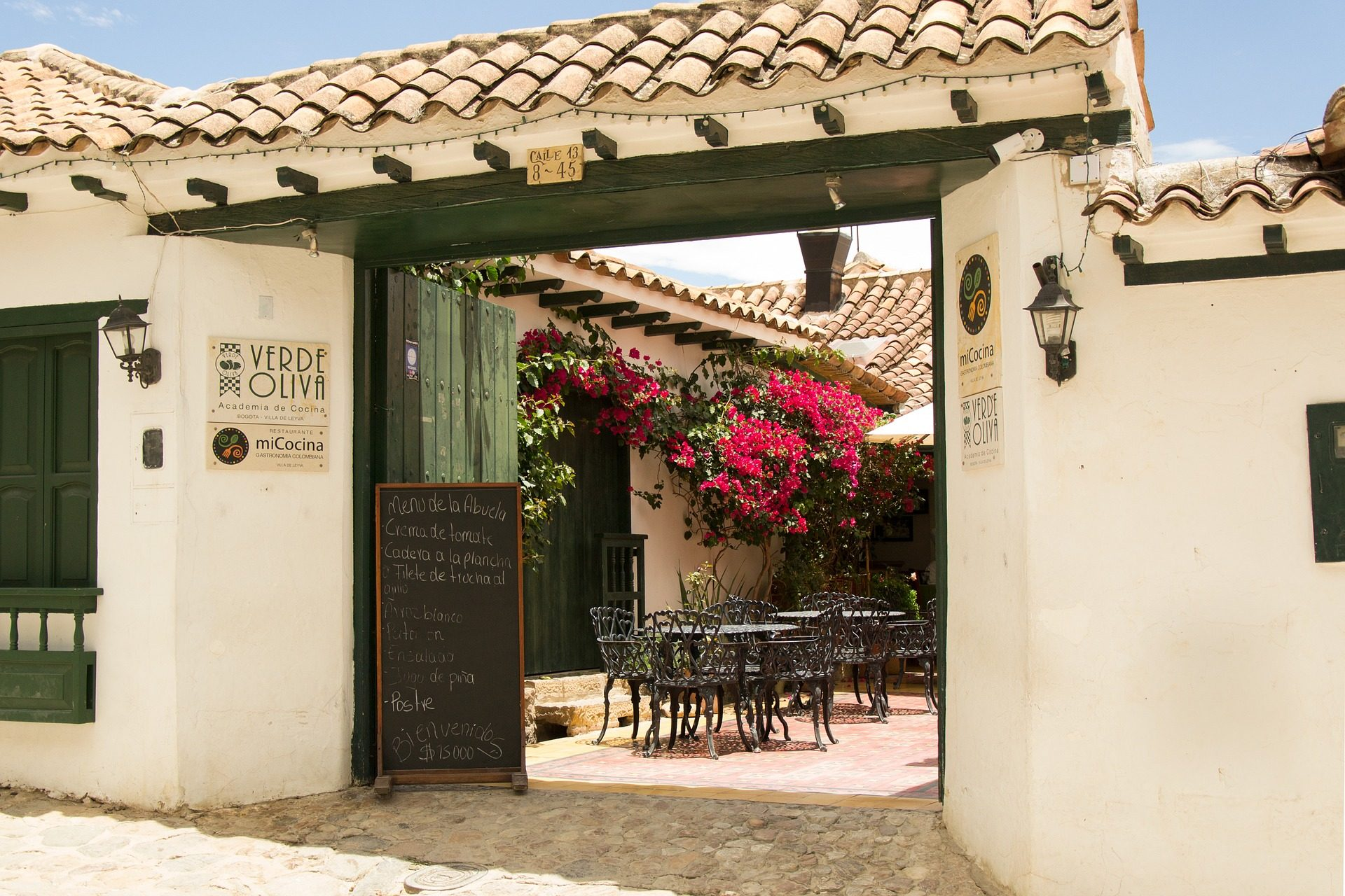 rondreis colombia villa de leyva restaurant