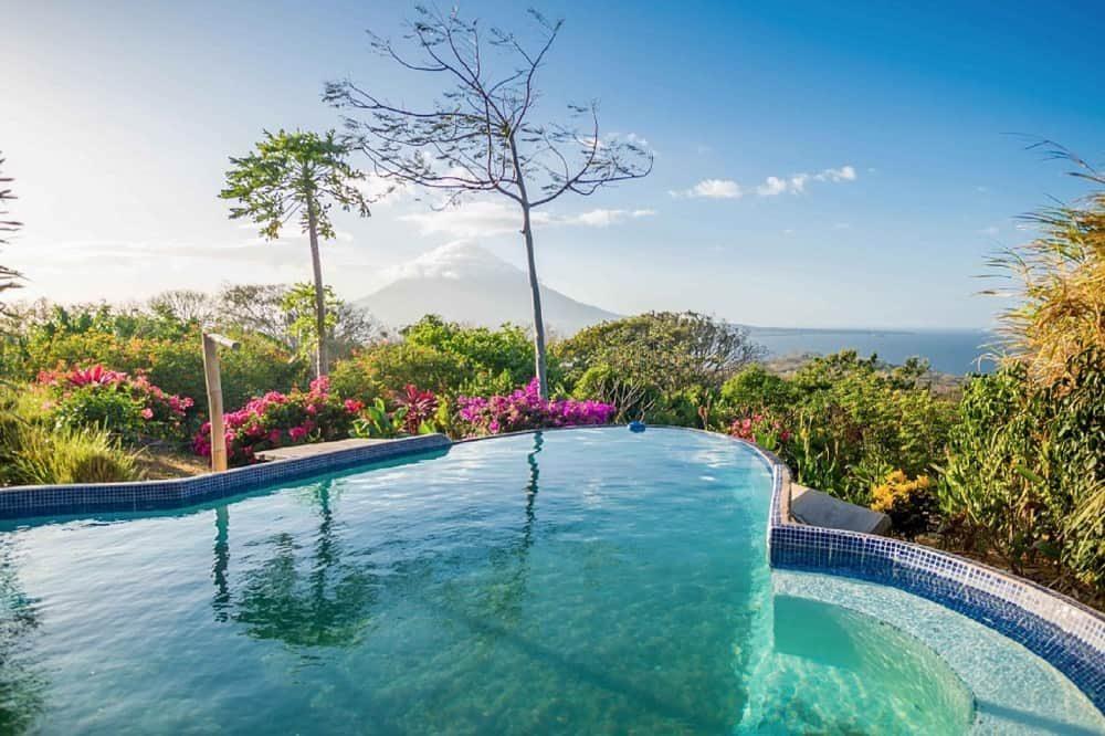 rondreis nicaragua zwembad ometepe