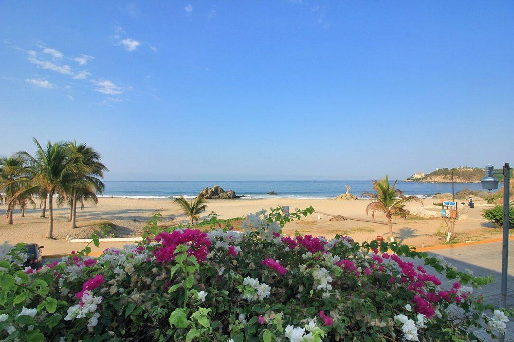 strand van hotel puerto escondido