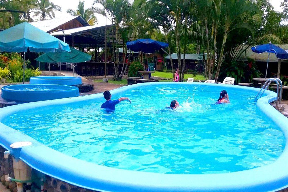 zwembad lokaal