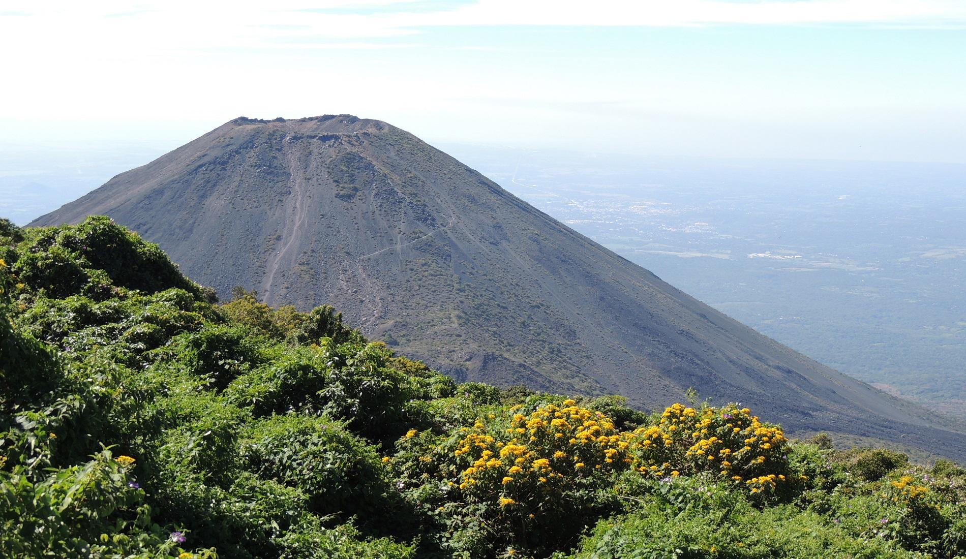 cerro verde rondreis el salvador