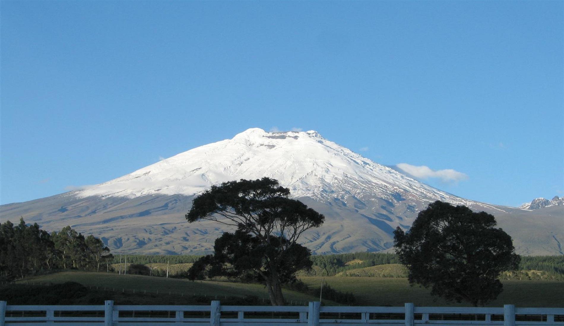 ecuador reizen cotopaxi vulkaan