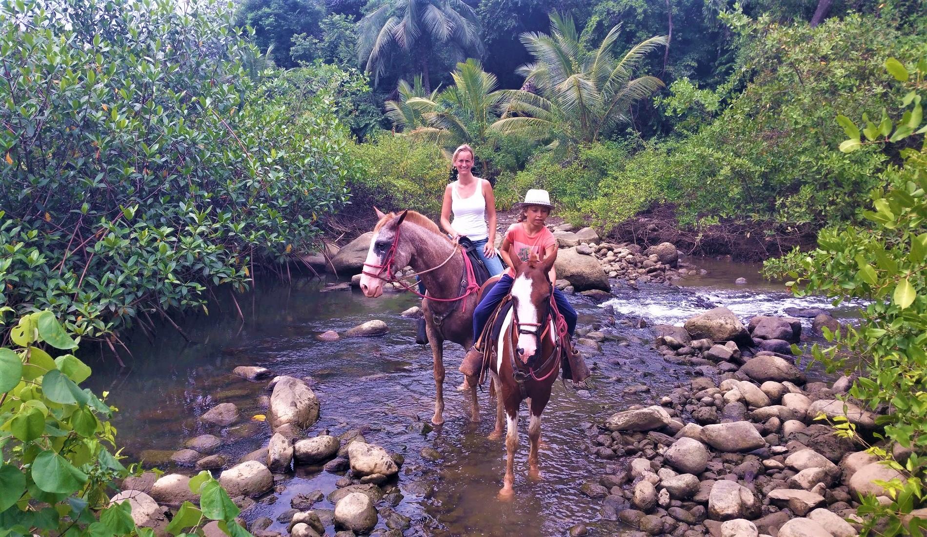 familiereis costa rica paardrijden