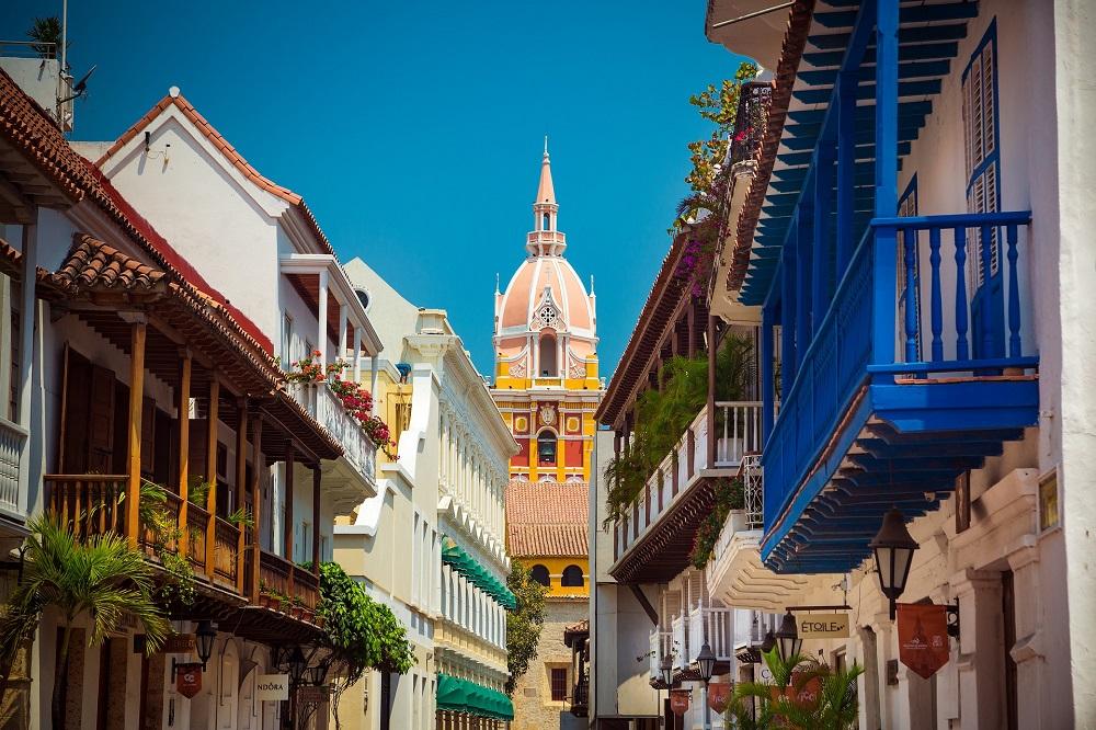 individuele rondreis colombia cartagena kathedraal