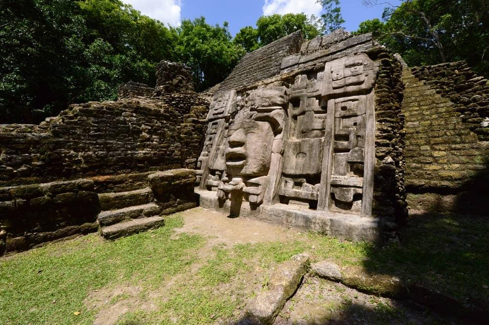 lamanai ruines