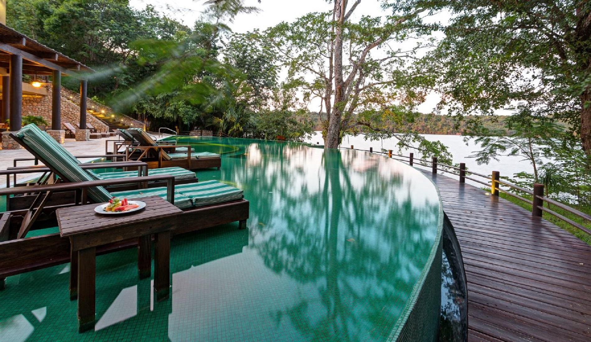 las lagunas pool luxe reis guatemala