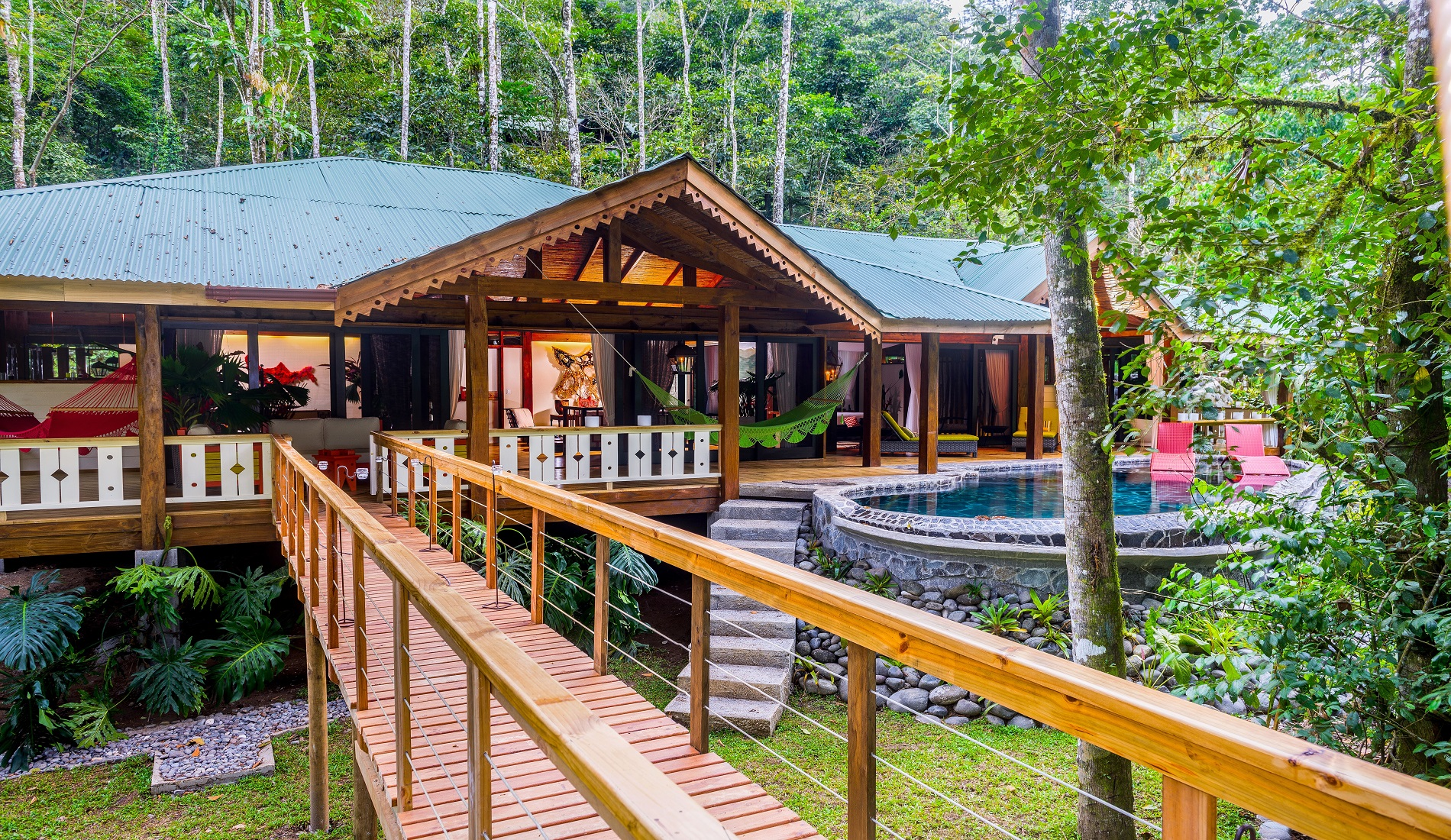 lodge pacuare rivier zwembad