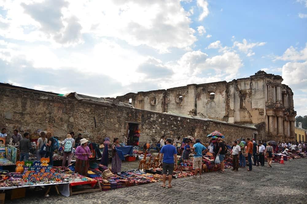 markt in antigua guatemala