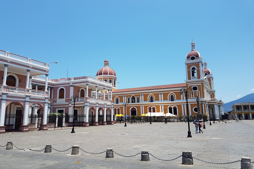 rondreis door nicaragua granada plein