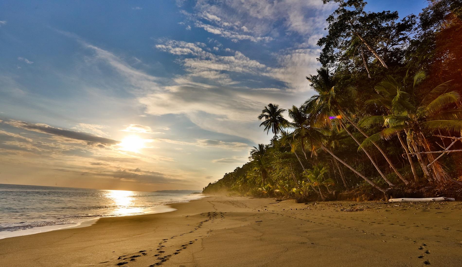 tropisch strand huwelijksreis costa rica
