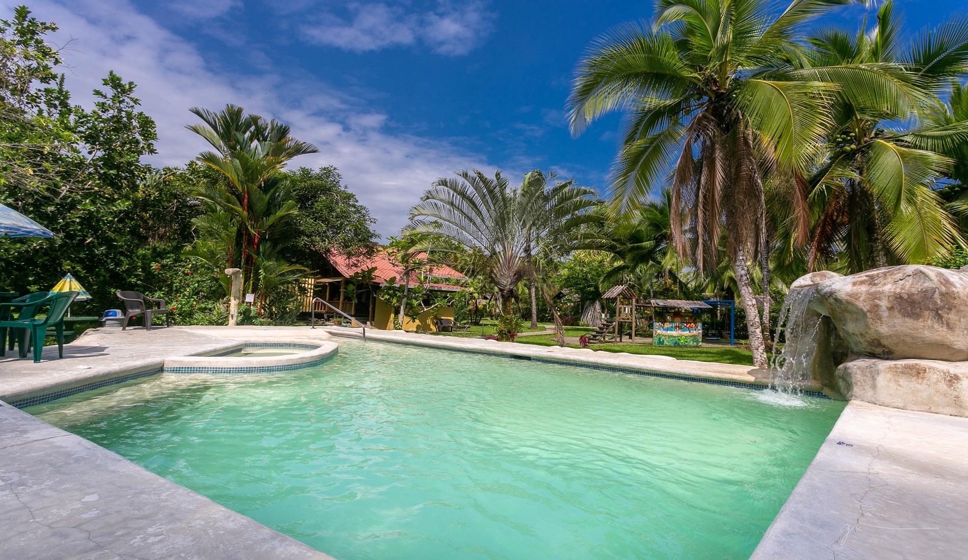 zwembad caribische kust costa rica